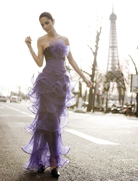 10 лучших платьев для выпуска 2013